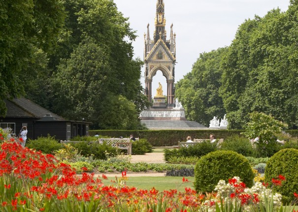 Hyde Park is 5 minutes walk from us.